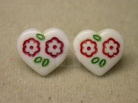 heart w/flower glass button