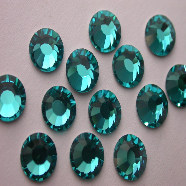 Preciosa Czech Crystal Viva 12 Hot Fix Rhinestone Flatback, Blue Zircon ss16, (144 Pieces Per Pack)