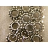 Daisy Bead spacer 12 pc